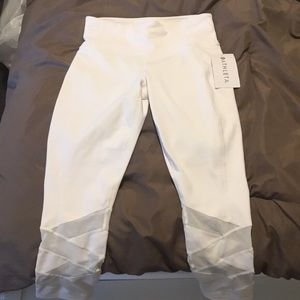 Athleta Pants - Athleta white Mantra mesh Capri Crop Legging tight